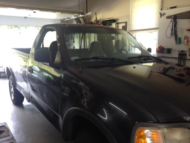 2001 Ford F150 XL Triton V8 4WD Automatic Complete With Operational 8' Fisher Plow