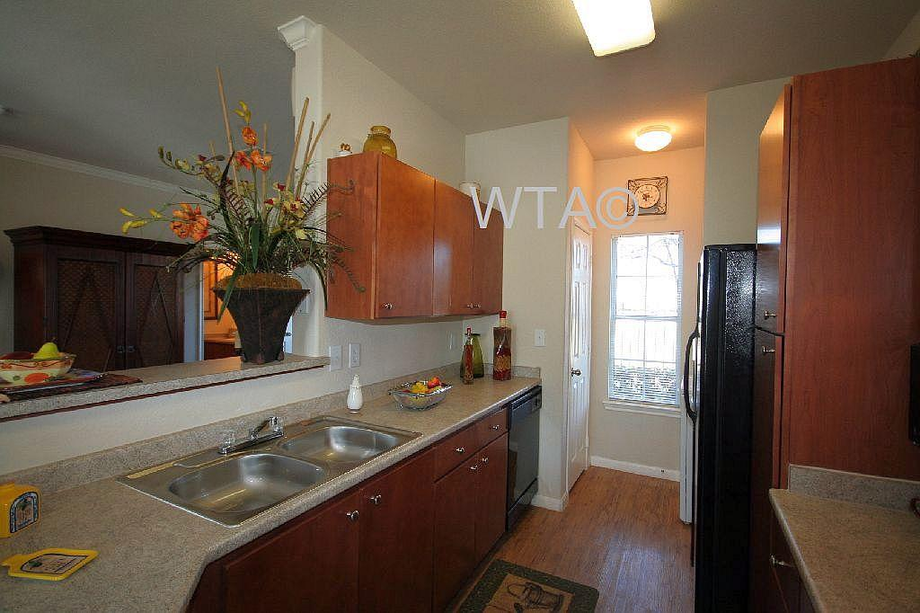 $1310 Two bedroom Townhouse for rent