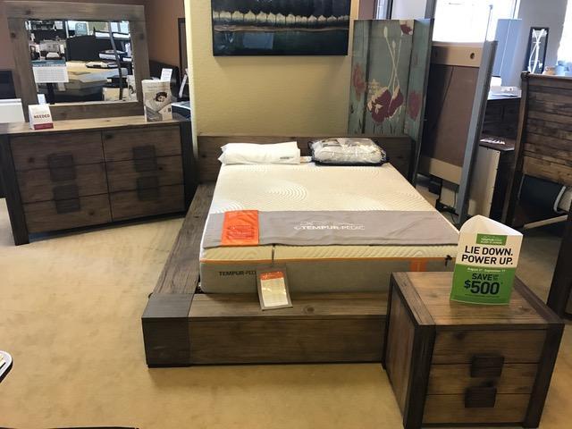 4 Pc Queen Modern Low Platform Bed Set $1,199