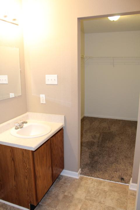 $989 Three bedroom Apartment for rent