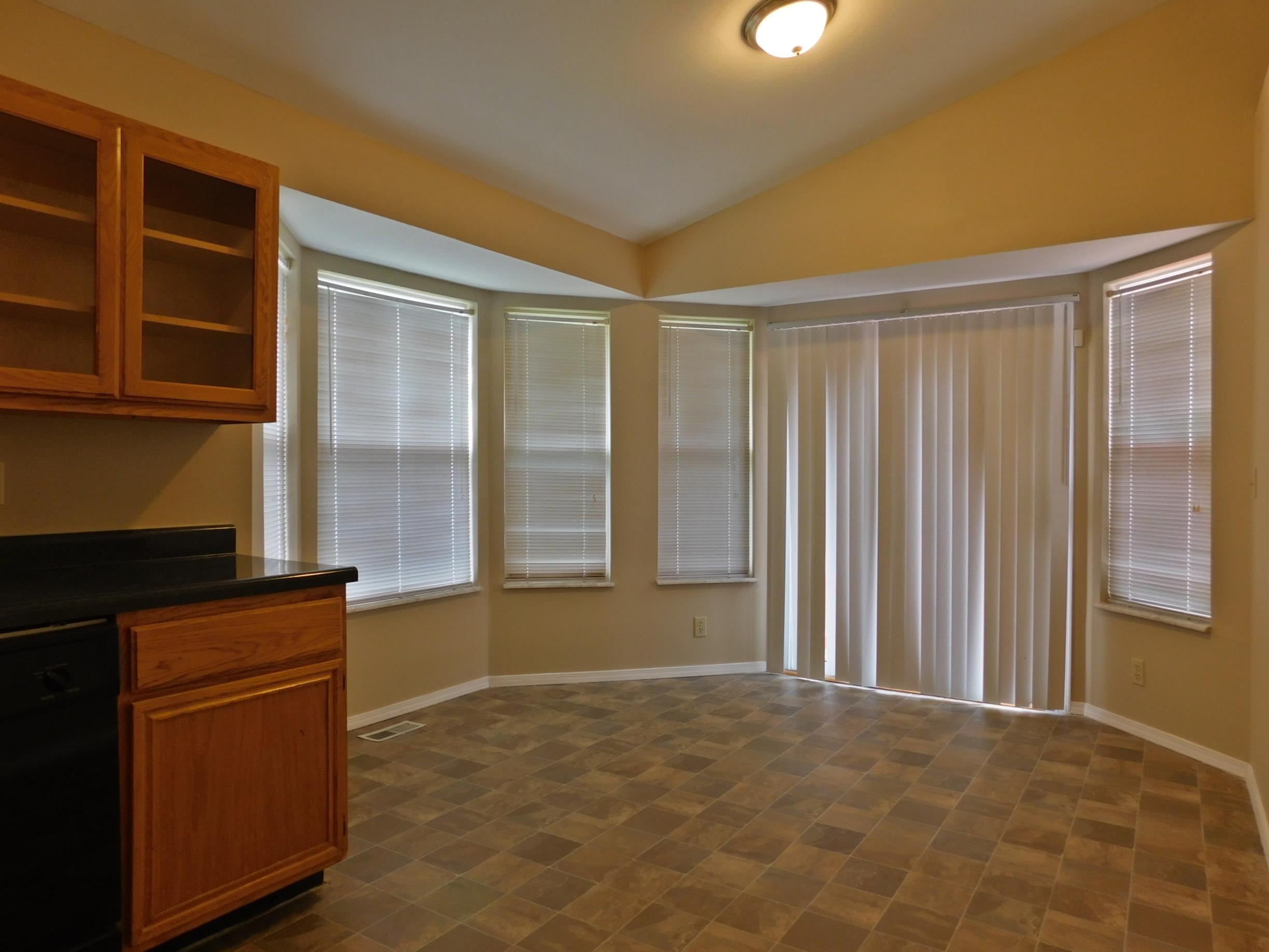 $1390 Three bedroom Apartment for rent