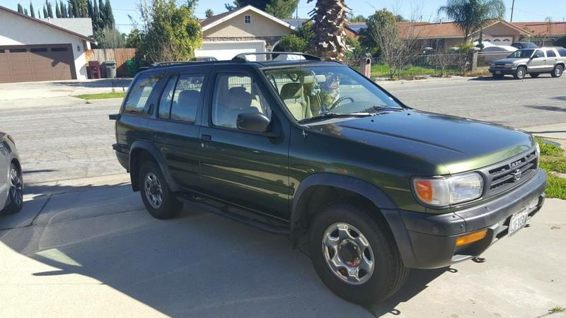 Nissan Pathfinder - Great Condition! - $2750 (Moreno Valley)