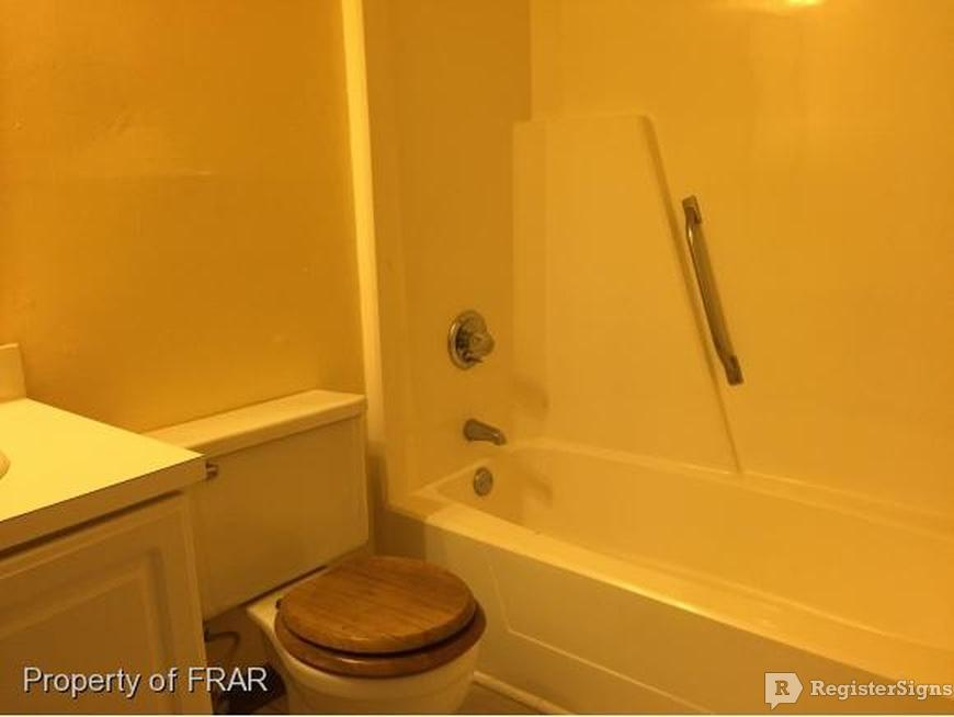 $700 Two bedroom Townhouse for rent