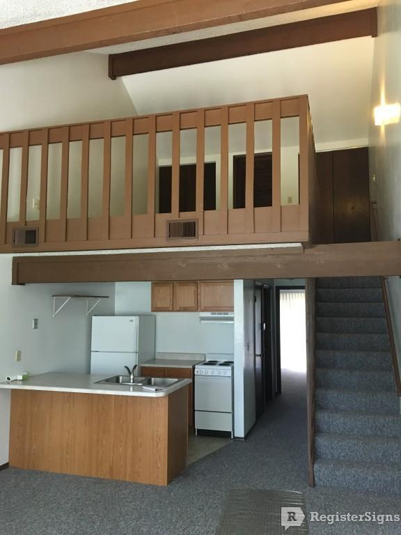 $725 One bedroom Townhouse for rent