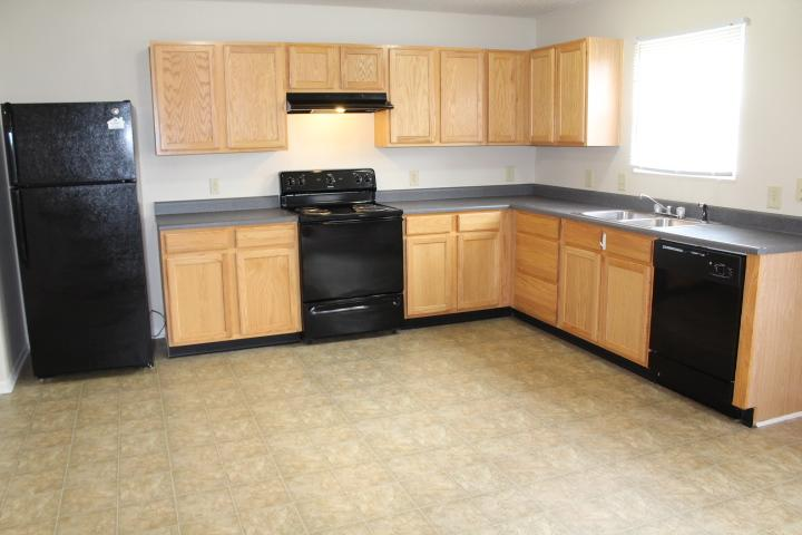 $1145 Four bedroom Apartment for rent