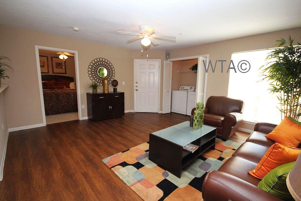 $1604 Four bedroom Apartment for rent