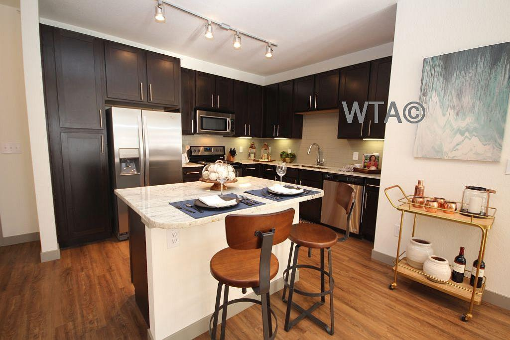 $1337 One bedroom Apartment for rent