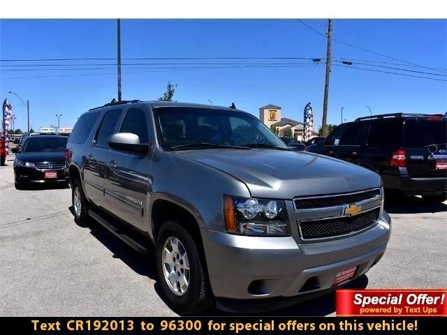 Chevrolet Suburban LS 2012