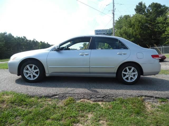 2003 Honda Accord  EX sedanwith Leather and Navigation System and XM (856) 389-4896