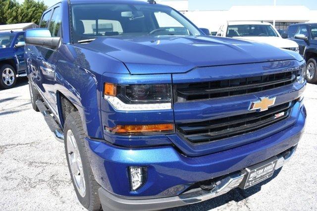 Chevrolet Silverado 1500 4WD Crew Cab 143.5