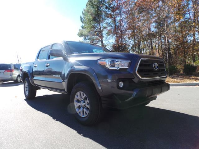 Toyota Tacoma SR5 Double Cab 5' Bed V6 4x4 AT 2017