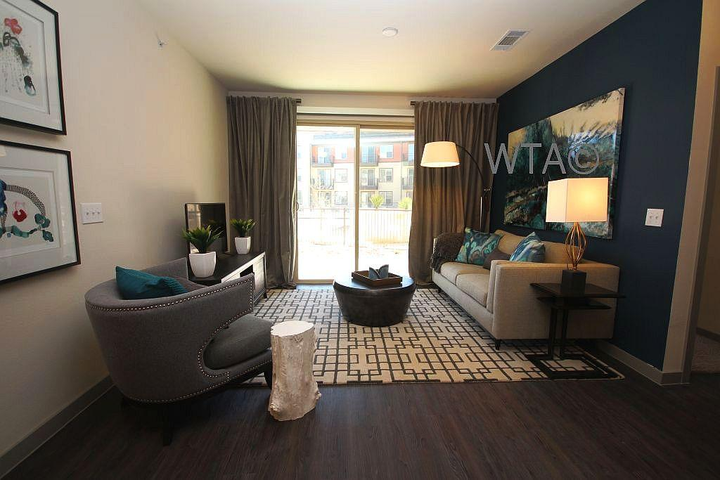 $2495 Three bedroom Apartment for rent