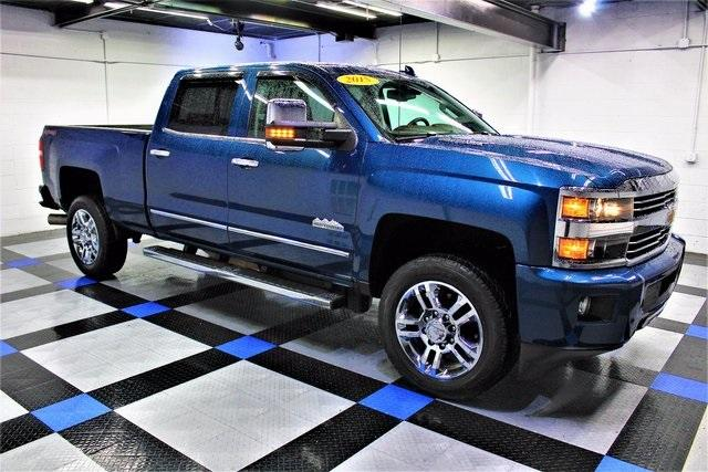 Chevrolet Silverado 2500HD Built After Aug 14 High Country 2015