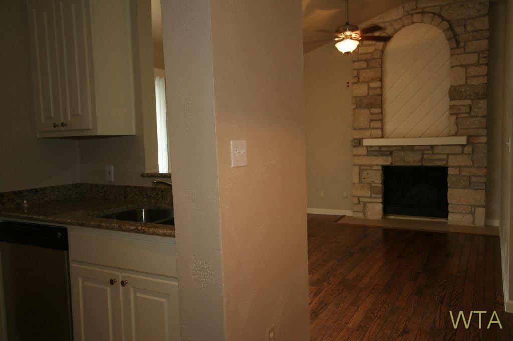 $1075 Studio Loft for rent