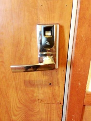 Having problems with your sommercial Door? Call Today!