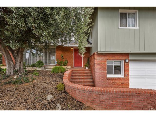 Fantastic Tri-level Victoria Woods POOL Home in Riverside