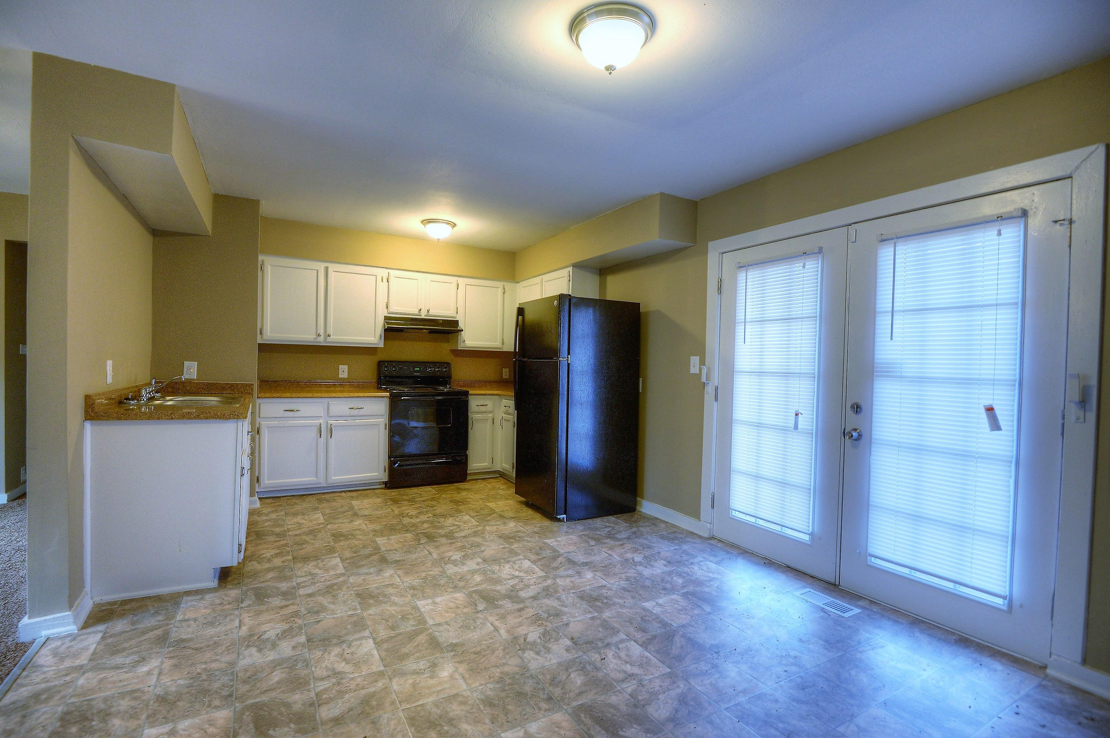 $950 Four bedroom Apartment for rent