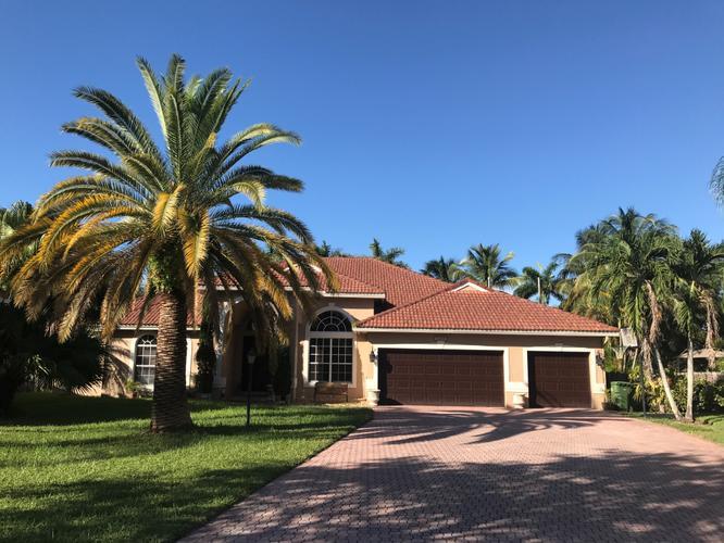 Beautiful Home for Rent in Pembroke Falls