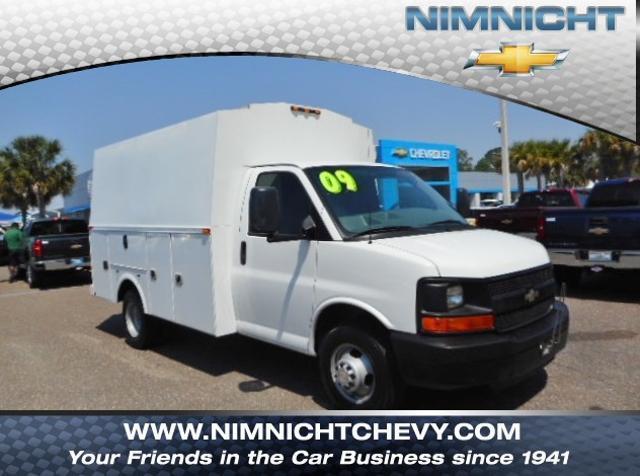 Chevrolet Express Commercial Cutaway Work Van 2009