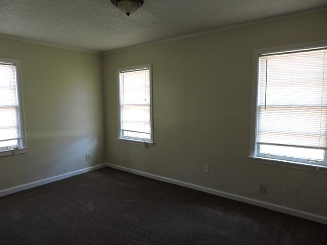 $695 Three bedroom Apartment for rent