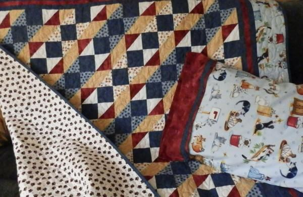 Quilt Homecrafted Crazy Cats Cradle with matching Pillowcase 061223QPC