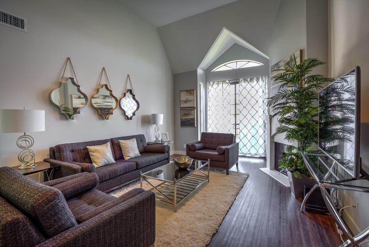 $4565 One bedroom Apartment for rent