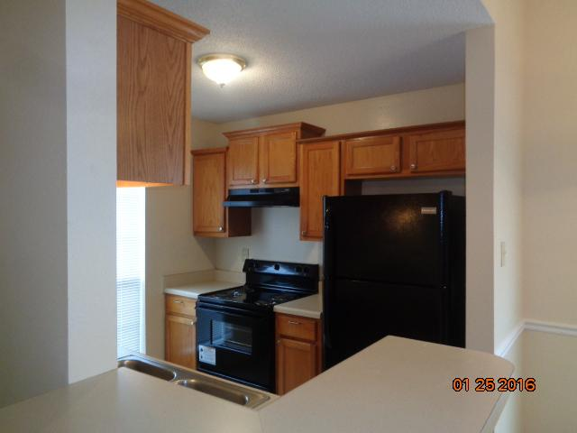 $1020 Three bedroom Apartment for rent