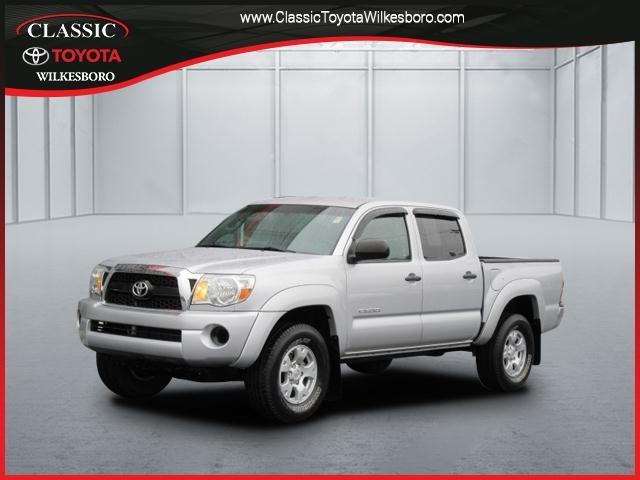 Toyota Tacoma 2WD Double I4 AT PreRunner 2011