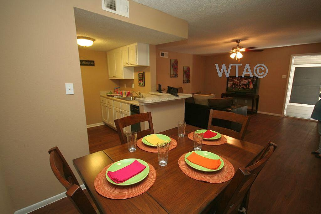 $1225 Two bedroom Townhouse for rent