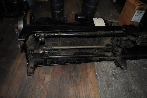 SINGER 7-40, SEWING MACHINE TO MAKE BUFFING WHEELS
