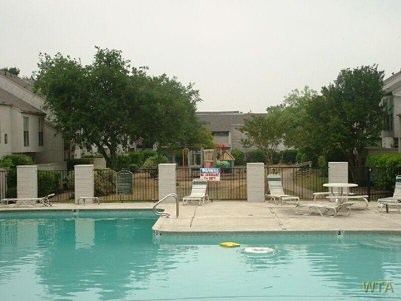$1050 Two bedroom Townhouse for rent