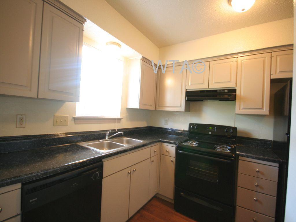 $1035 Two bedroom Townhouse for rent