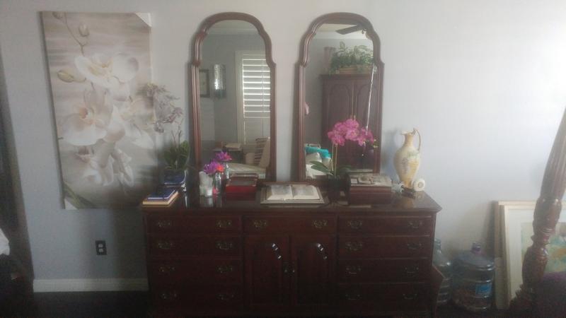 8 Pc. Ethan Allen Bedroom Set