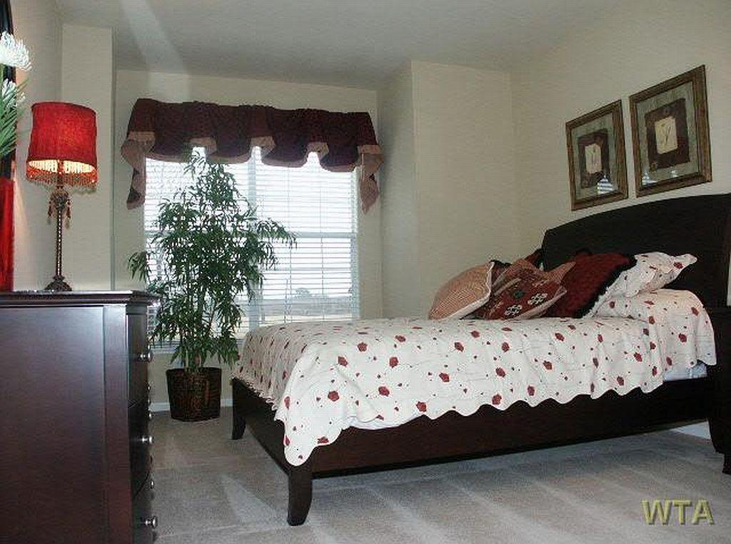 $1555 Three bedroom Apartment for rent