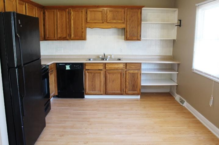 $1005 Three bedroom Apartment for rent