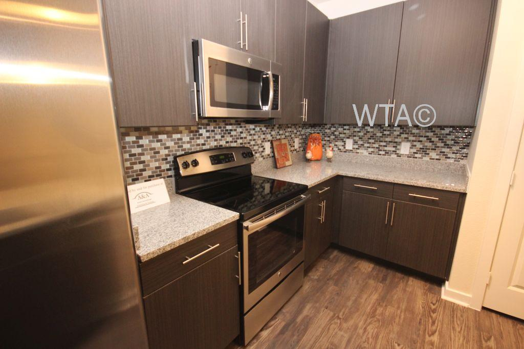 $2080 Three bedroom Apartment for rent