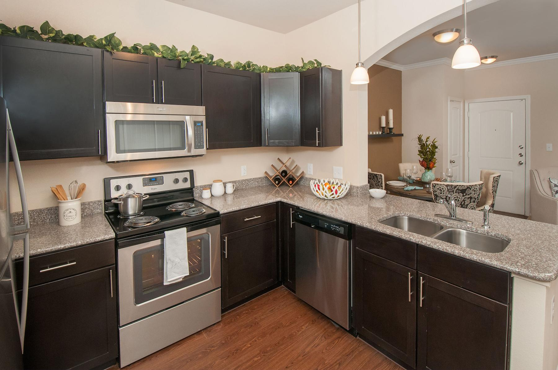 $2305 Three bedroom Apartment for rent