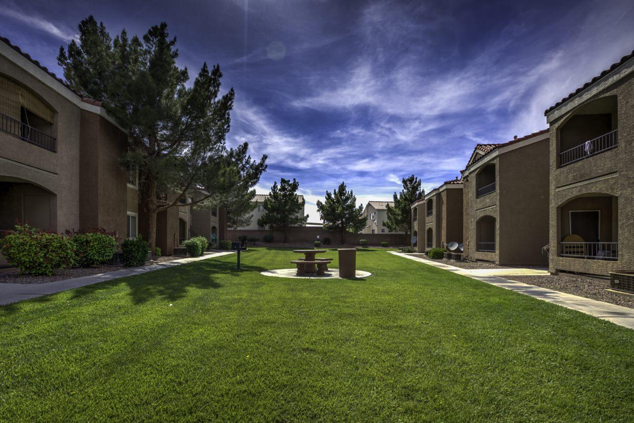 $1885 Three bedroom Apartment for rent