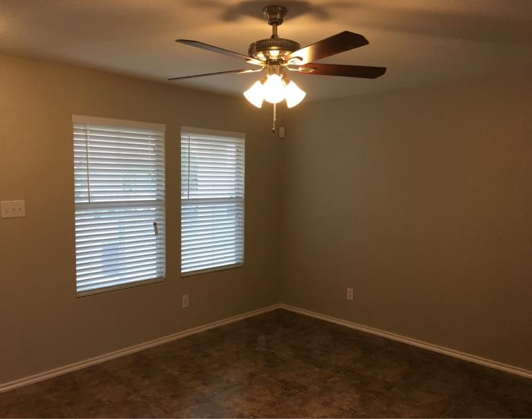 $1395 Three bedroom Apartment for rent