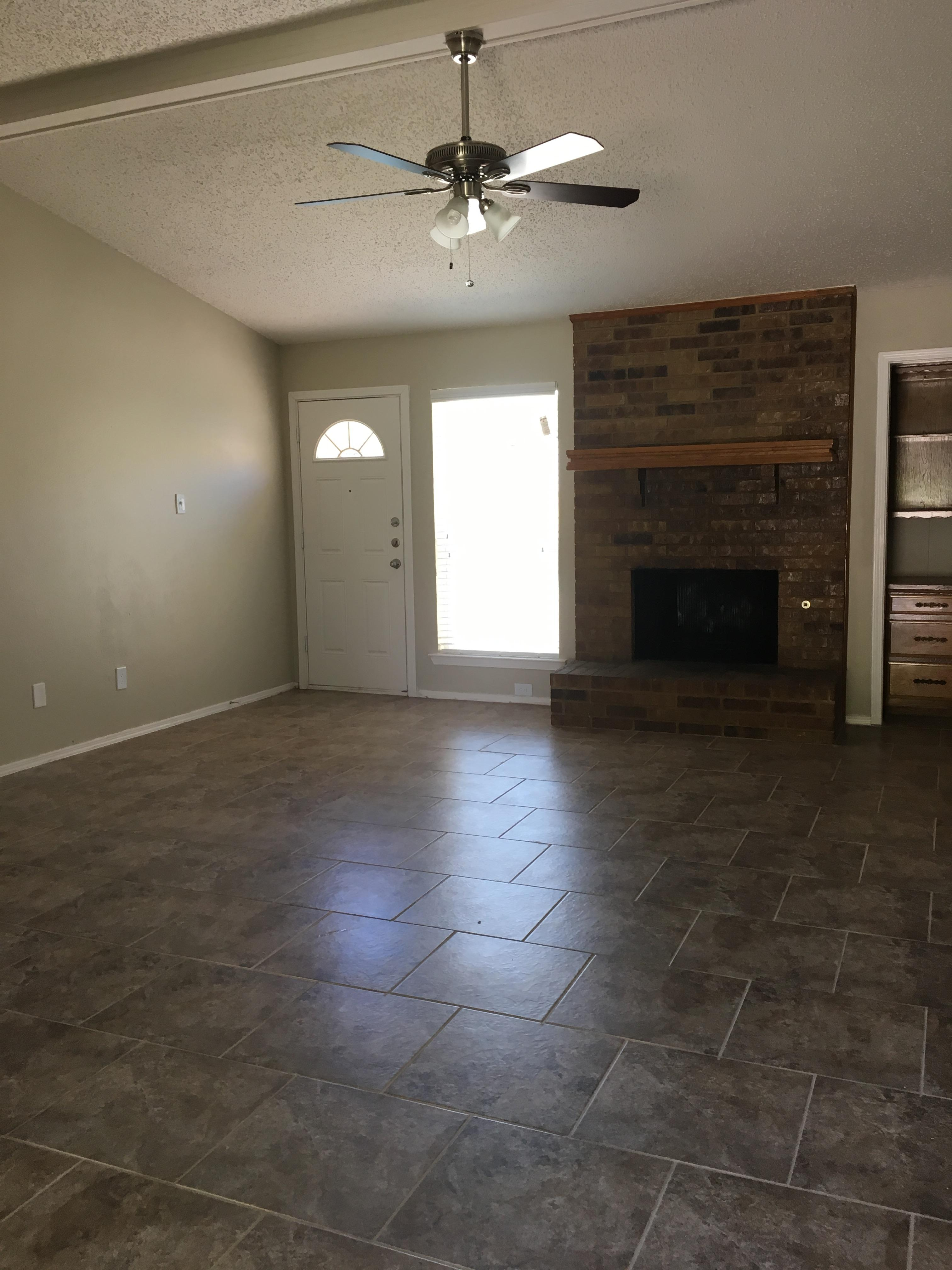 $1645 Three bedroom Apartment for rent