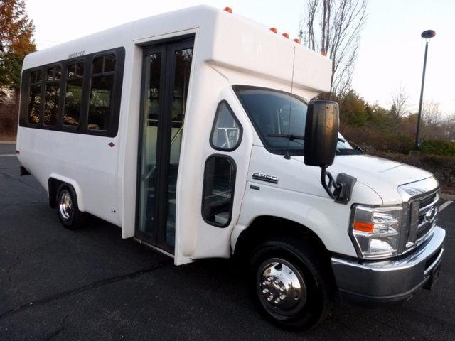 2010 Ford E350 Diamond Non-CDL Shuttle Bus