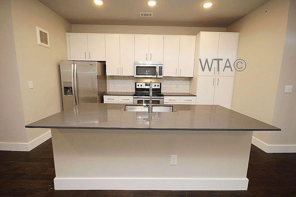 $2850 Three bedroom Apartment for rent