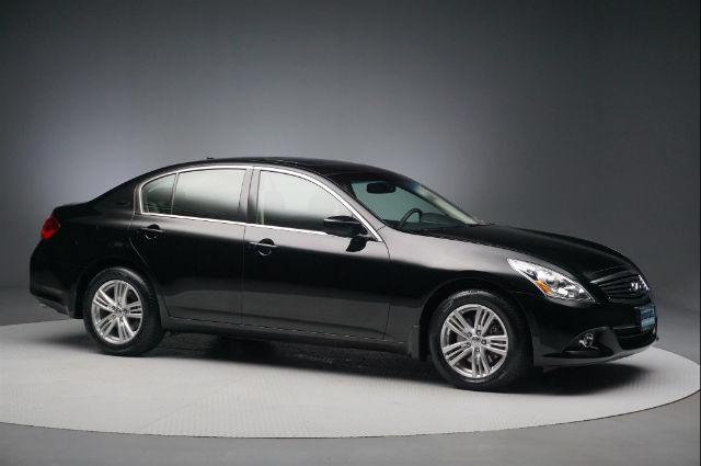 INFINITI G37 Sedan x 2013