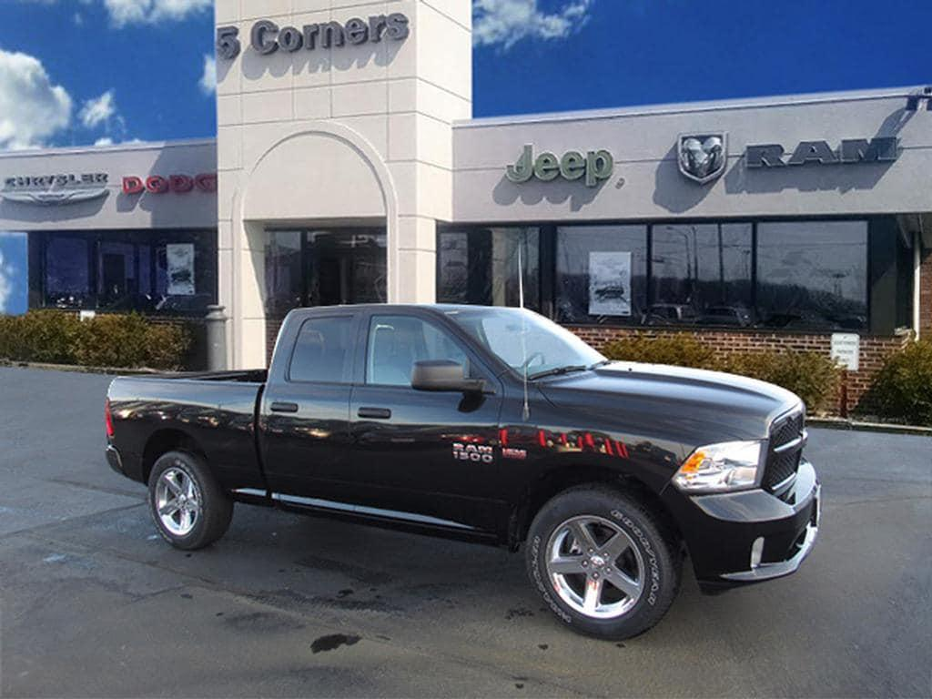 Ram 1500 Express 4x4 4dr Quad Cab 6.3 ft. SB Pickup 2017