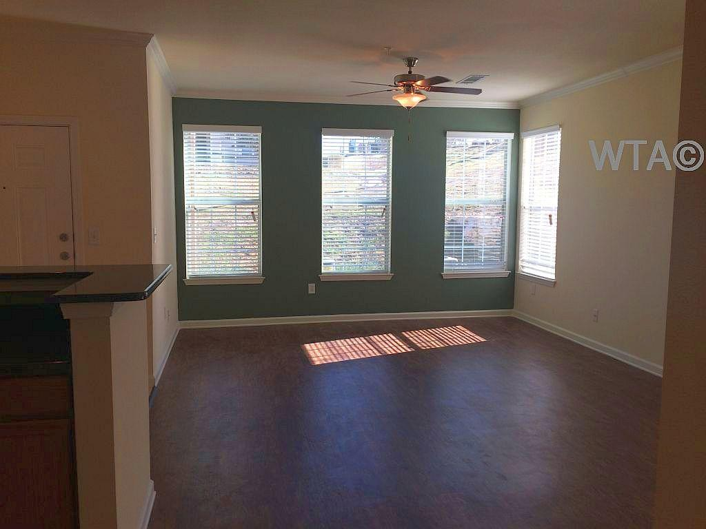 $1489 Three bedroom Apartment for rent