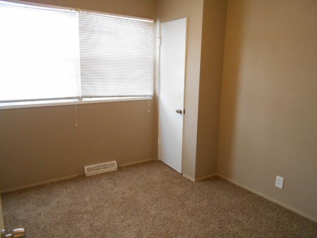 $1010 Three bedroom Apartment for rent