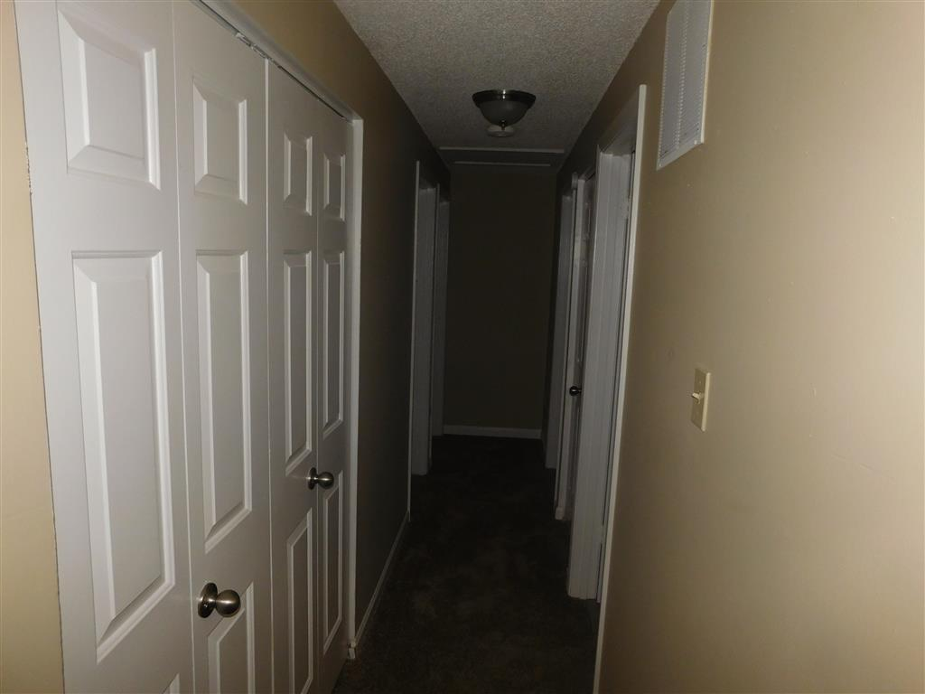 $1245 Five+ bedroom Apartment for rent