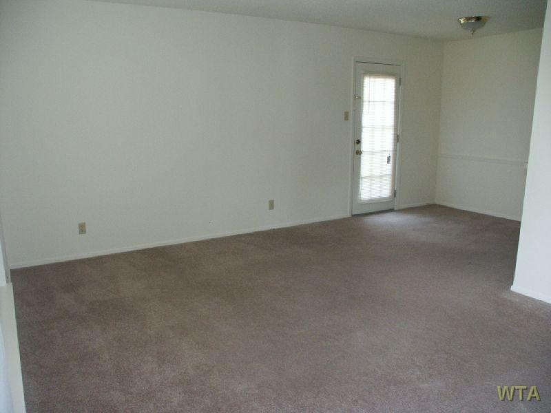 $1010 Two bedroom Townhouse for rent