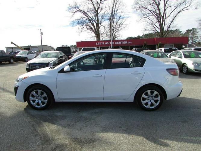 2010 Mazda Mazda3 Options: ABS Brakes (4-Wheel) Airbags