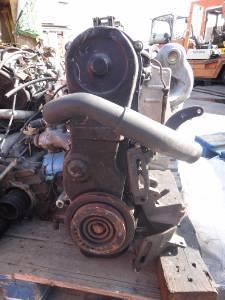 NISSAN ENGINE 4 CYLINDER